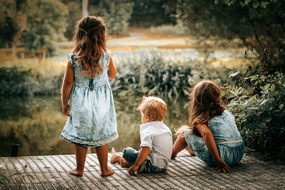 Natural lifestyle Hampshire family and children photographer